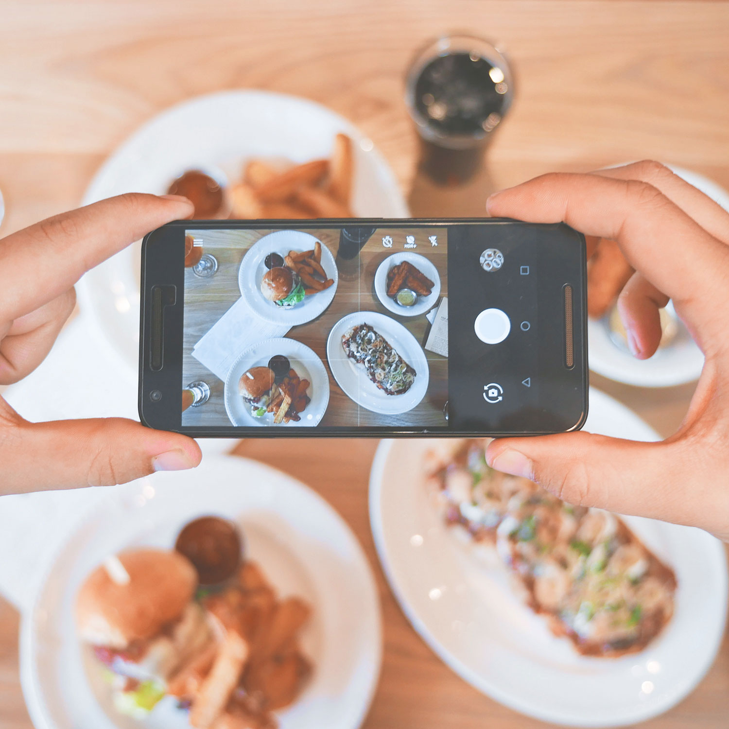Too many chefs? How to manage social media for your restaurant